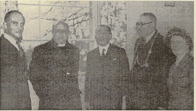 01222 Fred Smith, Bishop Leeson, W H Smith and Mr & Mrs C Chown (Mayor & Mayoress